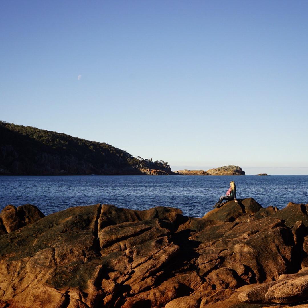 Sleepy Bay Tasmania || Traveling Honeybird