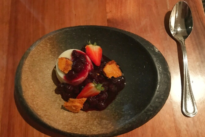 Delicious Desserts Highlander Restaurant || Traveling Honeybird