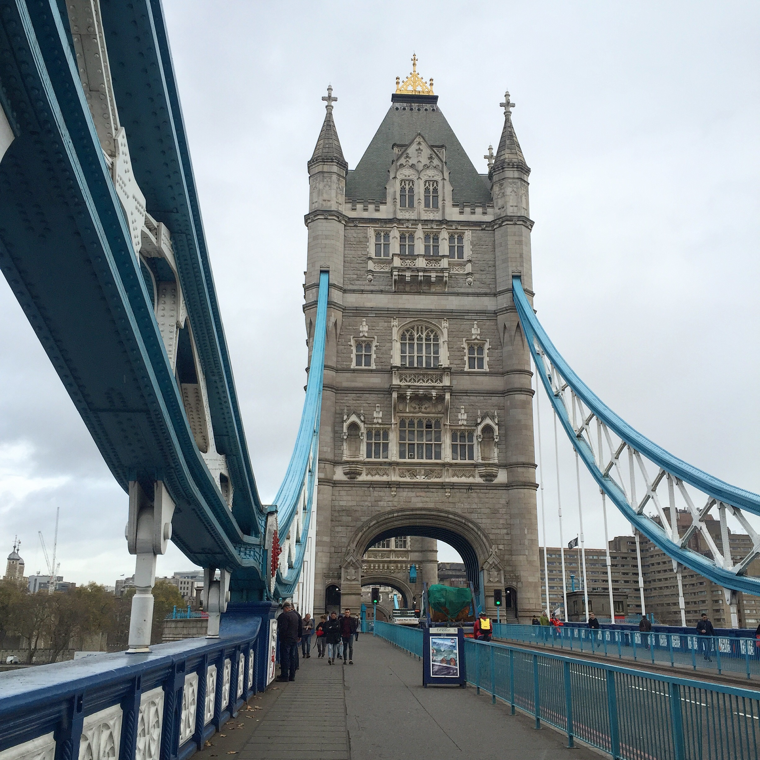 Tower Bridge London || Traveling Honeybird
