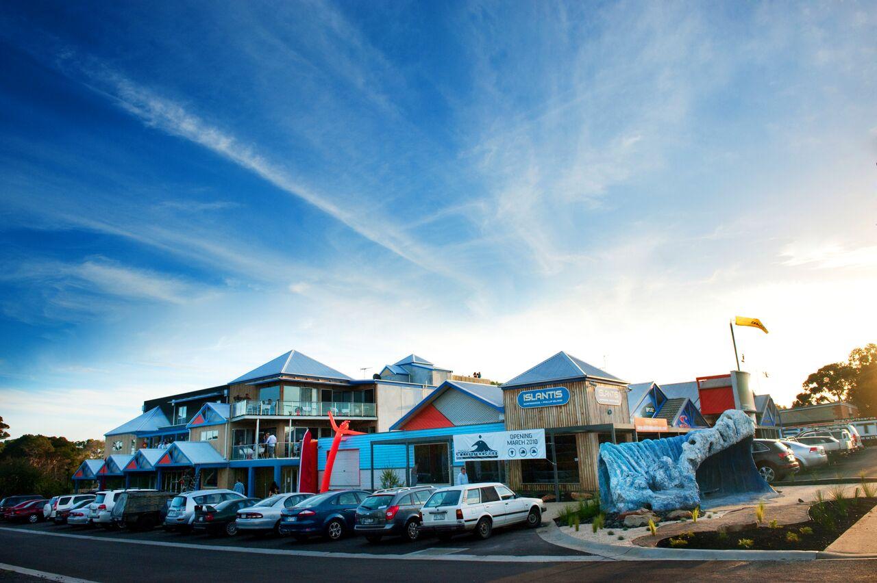 The Island Accommodation & Islantis Surfboards