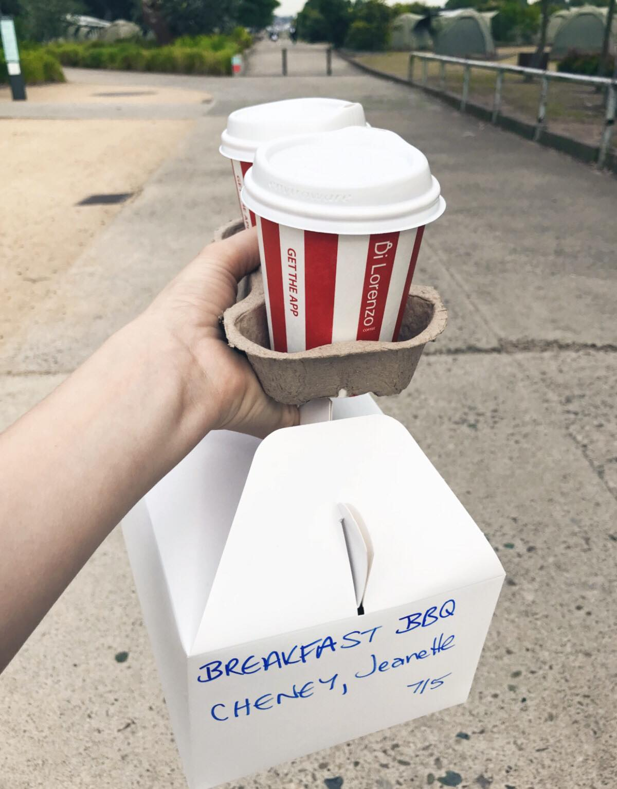 BBQ breakfast pack with coffee