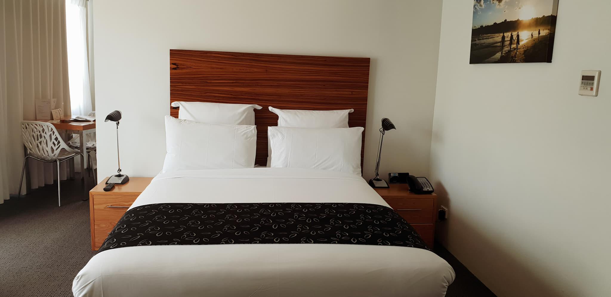 The Cambridge Hotel bed