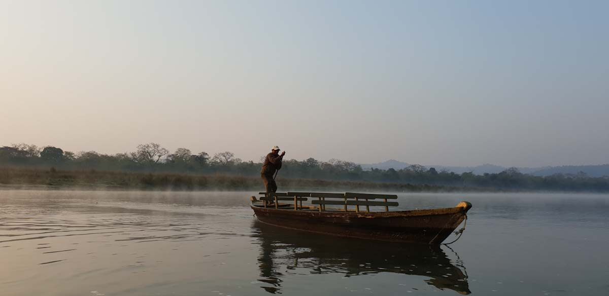 Boat ride at Barahi Lodge