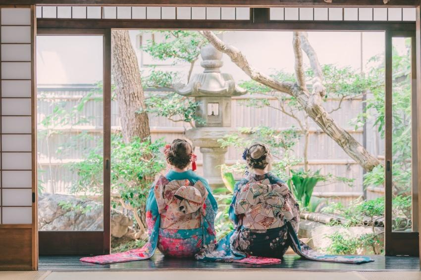Beautiful bows in kimono